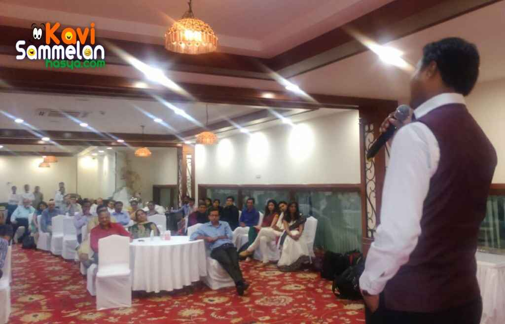 Hasya Kavi Chirag Jain in a dealers meet